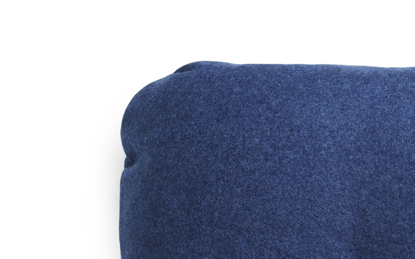 Hi Cushion Wool Blue Detail