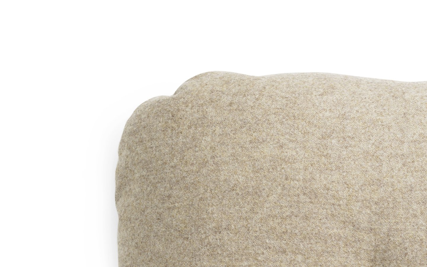 NC Hi Cushion Wool Beige Detail