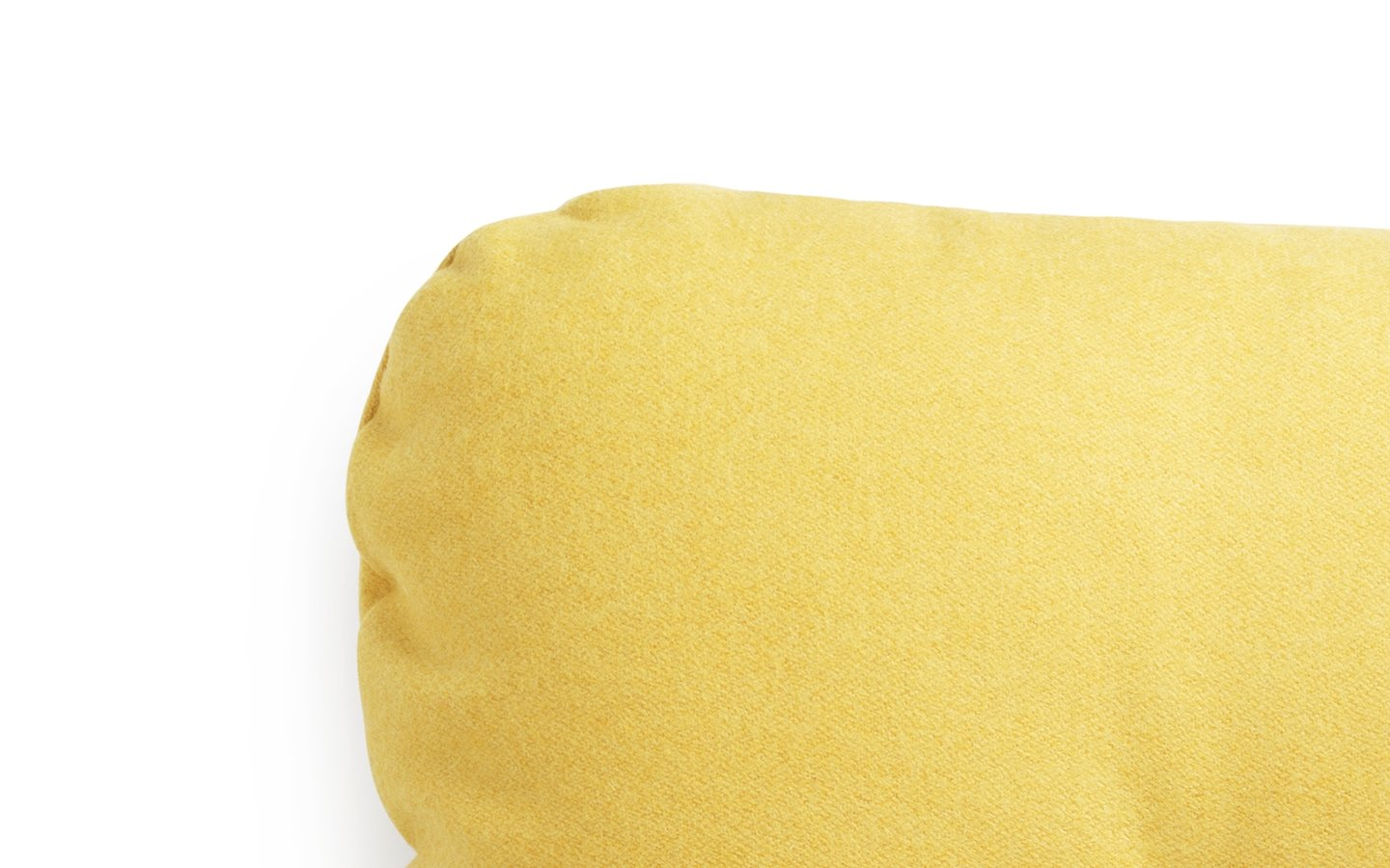 NC Hi Cushion Wool Yellow Detail