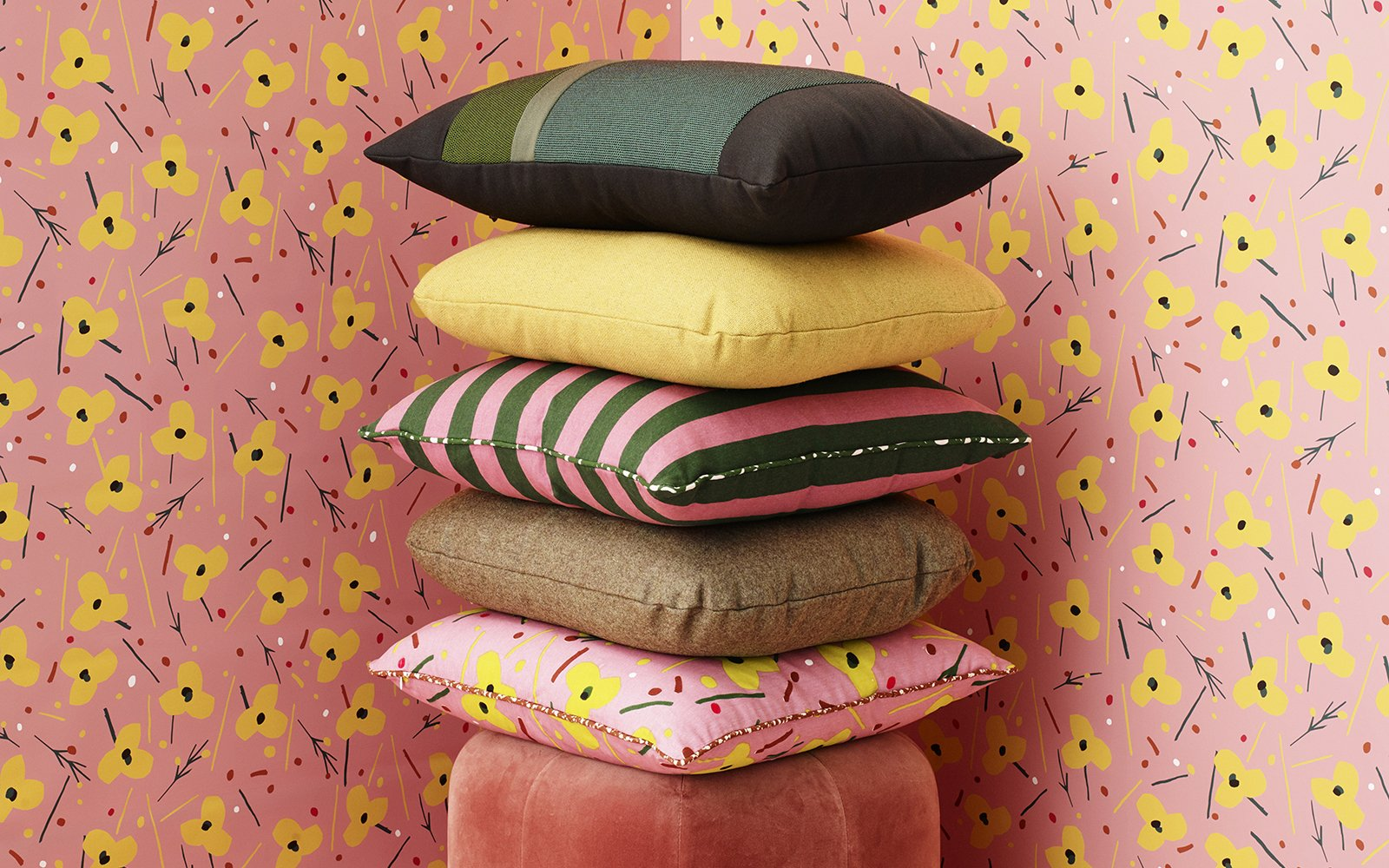 Normann Copenhagen Posh Cushion Group
