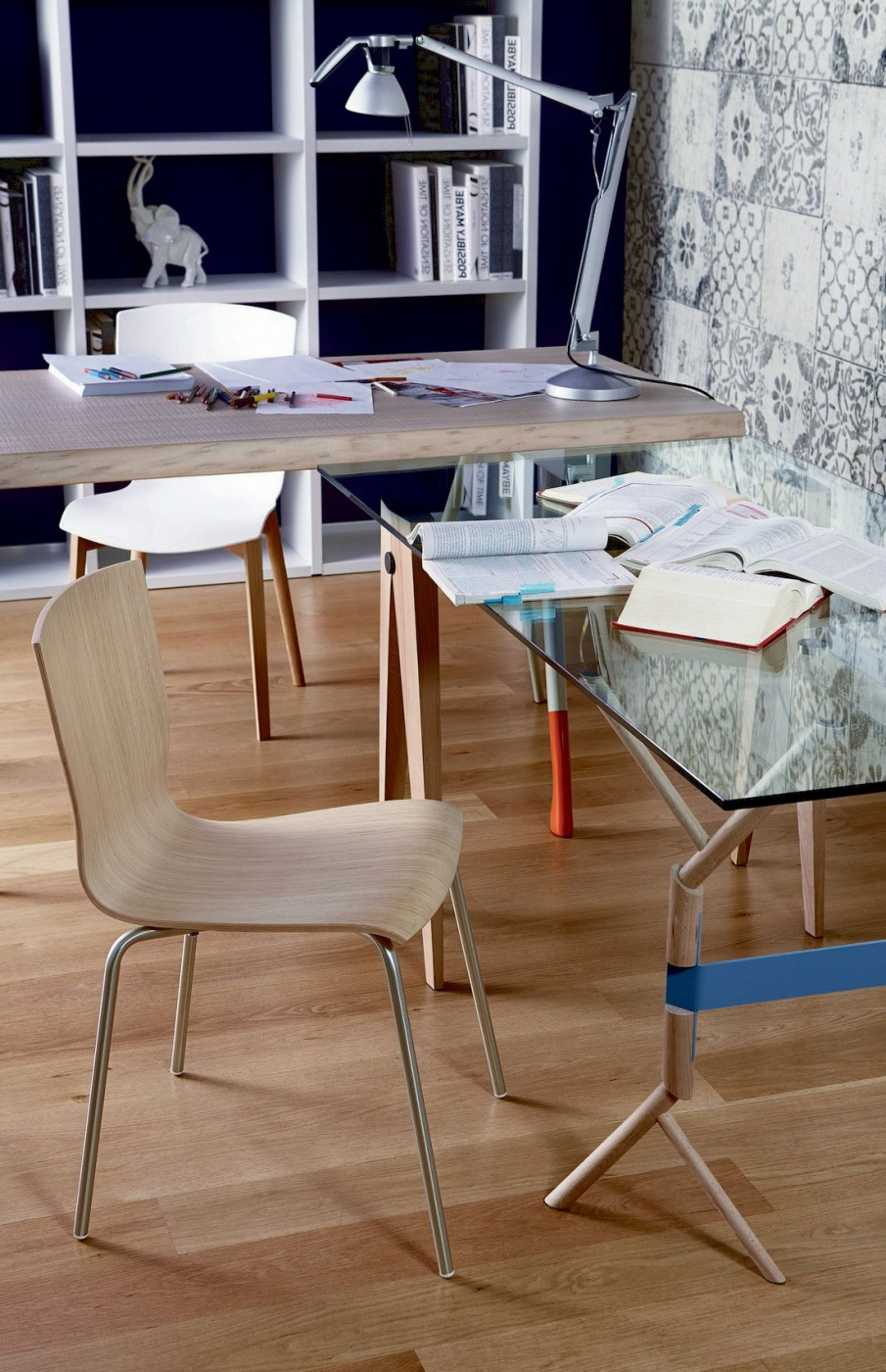 hip chair whit table